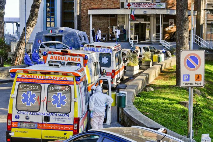 Ordine dei Medici: lockdown totale in tutto il Paese