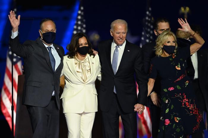 Autorità elettorali Usa: nessuna prova di brogli. La Cina si congratula con Biden