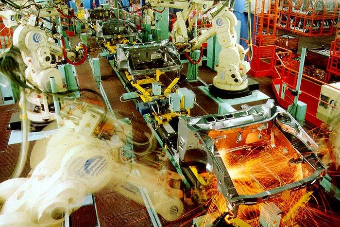 Industria: Istat, produzione cala, -5,6% a settembre