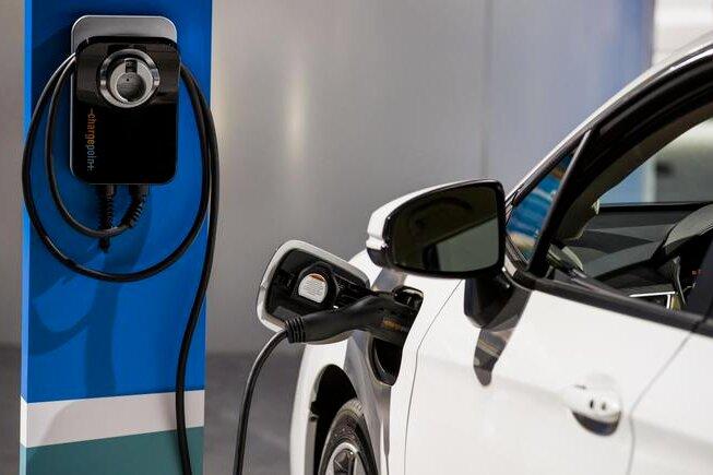 Rifinanziato bonus auto: 420 milioni, 120 per le elettriche