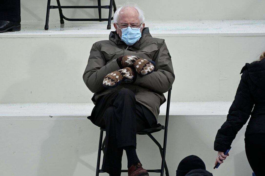 "Le ""muffole"" di Sanders, foto usate per beneficenza"