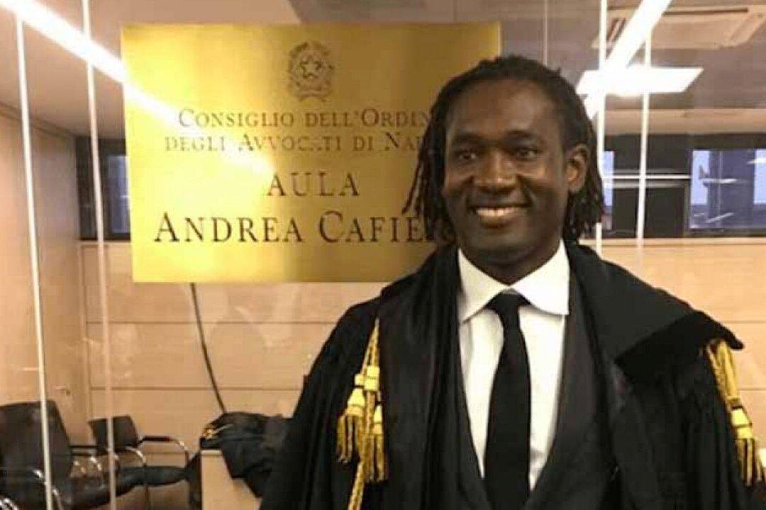 L'avvocato è di colore, il giudice gli chiede il tesserino